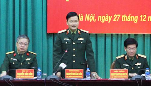 Thiếu tướng Nguyễn Văn Đức, Cục trưởng Tuyên huấn chủ trì họp báo quý 4 của Bộ Quốc phòng. Ảnh: HT