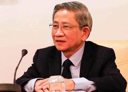 Giáo sư Nguyễn Minh Thuyết tại cuộc họp báo ngày 27/12. Ảnh: Dương Tâm