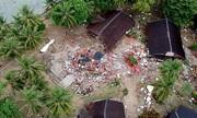 Cảnh tan hoang ở bờ biển Indonesia sau thảm họa sóng thần