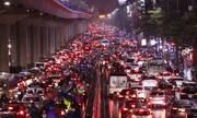 Đường phố Hà Nội kẹt cứng trước kỳ nghỉ Tết dương lịch