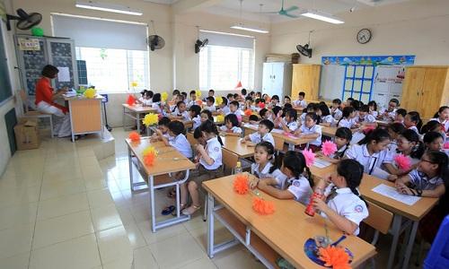 Học sinh lớp 1 ở Trường Tiểu học Chu Văn An (Hoàng Mai, Hà Nội)trong ngày khai giảng năm 2018. Ảnh: Gia Chính