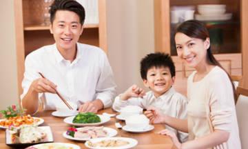 Vợ chá»ng tôi thu nhập 200 triá»u nhðng nấu Ãn sÃÂ¡ng á» nhÃ