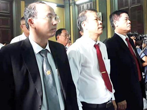 Đại diện VInasun nghê tuyên án. Ảnh: Hải Duyên.