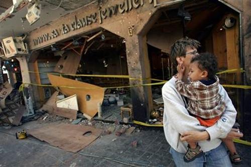 Hiện trường vụ tấn công ở Dahab năm 2006. Ảnh: AFP.