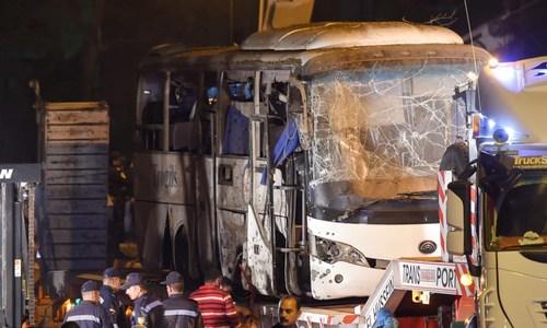 Hiện trường đánh bom xe chở du khách Việt ở Ai Cập khiến 4 người chết