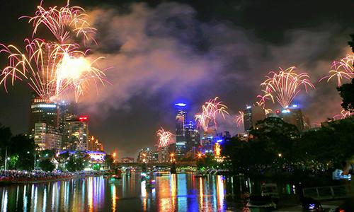 Màn trình diễn pháo hoa ở thành phố Melbourne, Australia. Ảnh: Guardian.