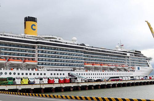 Năm 2018, Đà Nẵng đón 100 chuyến tàu biển quốc tế cập cảng Tiên Sa. Ảnh: V.Đ.