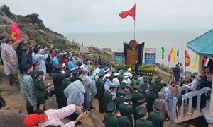 300 người dự lễ chào cờ ở điểm cực Đông đất liền của Tổ quốc