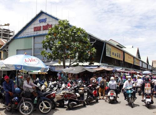 Chợ Kim Biên ở quận 5. Ảnh: Sơn Hòa.