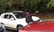 Tài xế ôtô bị mắng 'lái ngu' vì chạy ngược chiều