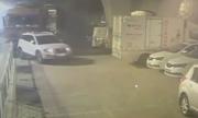 Tài xế buồn ngủ, xe tải tông hỏng 12 ôtô trong bãi đỗ