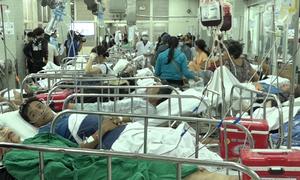 Nhiều nạn nhân bị xe container đâm phải chuyển lên Bệnh viện Chợ Rẫy