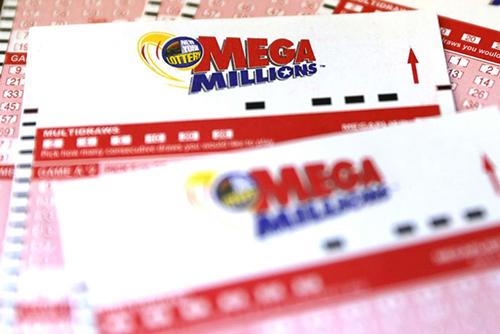 Vé số Mega Millions ở Mỹ. Ảnh: Reuters