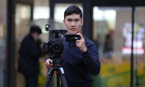 Watcharainthorn Khamkherd, nhà sản xuất video 23 tuổi người Thái Lan, cùng một bạn học thời đại học người Việt Nam thành lập công ty riêng ở thị trấn Beppu trên hòn đảo phía nam Kyushu, Nhật Bản. Ảnh: NAR.