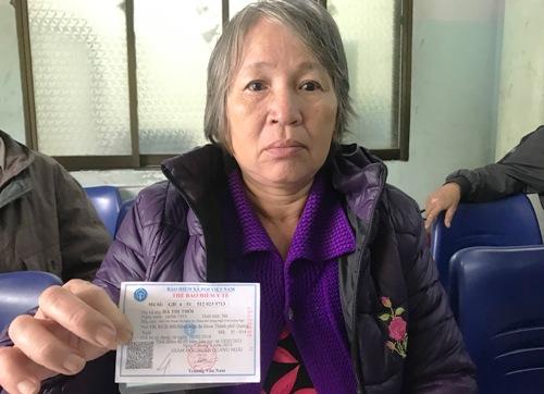 Nơi khám chữa bệnh trong thẻ BHYTlà Bệnh viện Đa khoa TP Quảng Ngãi, nhưng người dân sẽ phải đi nơi khác. Ảnh: Phạm Linh.