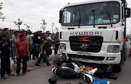 Xe container do tài xế Hiếu lái gây tai nạn chiều 2/1. Ảnh: Hoàng Nam