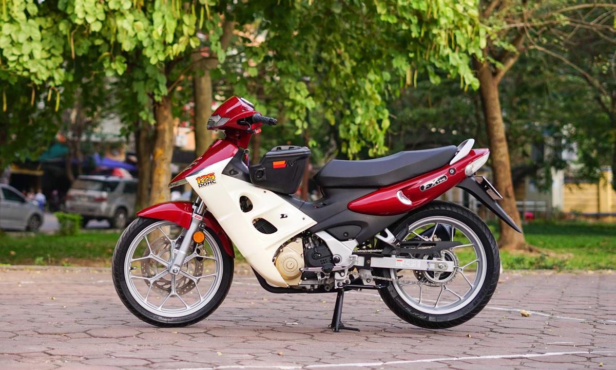 Suzuki FX 125 độ nhẹ của thanh niên 8X Hà Nội