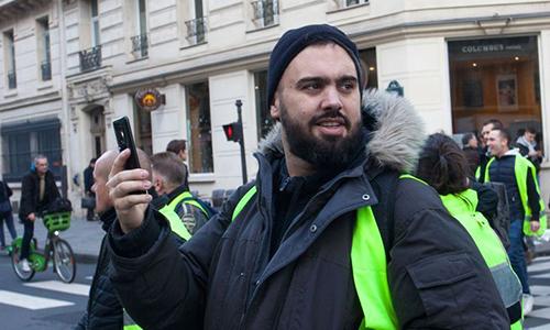 Eric Drouet tham gia biểu tình ngày 22/12 tại thủ đô Paris. Ảnh: Sipa.