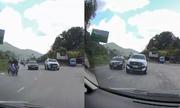 Tài xế giật thót tránh xe bán tải vượt áºu tại khúc cua