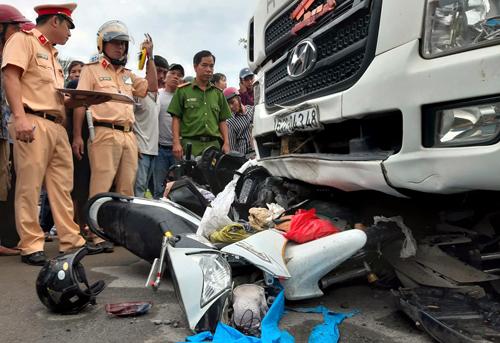 Xe container do tài xế Hiếu lái gây tai nạn chiều 2/1. Ảnh: Hoàng Nam.