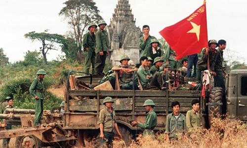 Kỳ 2: Việt Nam có sai lầm khi tiến quân vào Campuchia hay không?