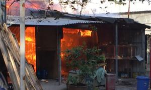 Hỏa hoạn thiêu rụi 7 phòng trọ ở vùng ven Sài Gòn