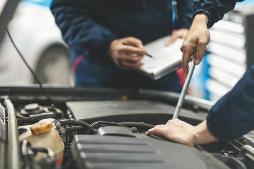 Kiểm tra kỹ càng và lái thử ôtô trước khi quyết định xuống tiền.