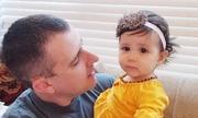 Em bé ở Mỹ không nhận ra bố vì cạo râu