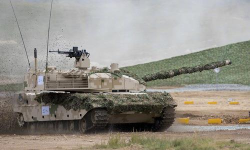 Xe tăng VT-5 xuất khẩu ứng dụng nhiều công nghệ trên Type 15. Ảnh: Norinco.
