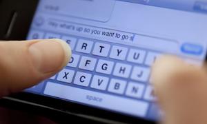 Cô gái Mỹ hầu tòa vì gửi 159.000 tin nhắn tới người mới hẹn hò