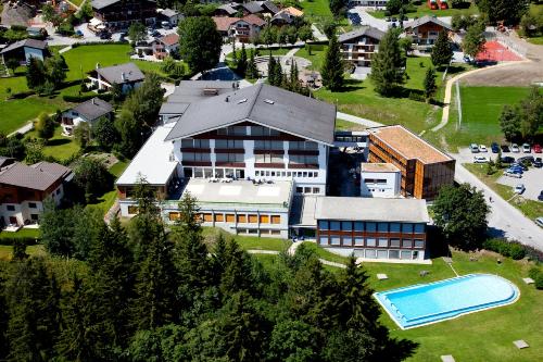 Cơ sở giảng dạy của trường tại Thụy Sĩ được thiết kế theo tiêu chuẩn khách sạn 5 saogiúp sinh viêntiếp cận môi trường thực tế của nghề nghiệp.