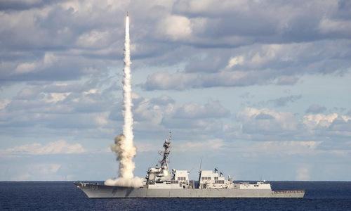 Tàu khu trục Mỹ phóng tên lửa SM-2 trong một cuộc tập trận năm 2017. Ảnh: US Navy.