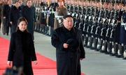 Dàn quân nhạc tiễn Kim Jong-un lên tàu đi Bắc Kinh