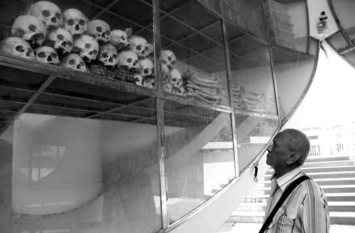 Nhà mồ Ba Chúc, nơi lưu giữ hơn 1.000 bộ hài cốt người dân bị Pol Pot sát hại. Ảnh: Phước Tuấn