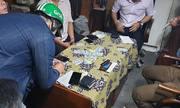 Cảnh sát đột kích sòng Poker của nhân viên văn phòng tại Sài Gòn