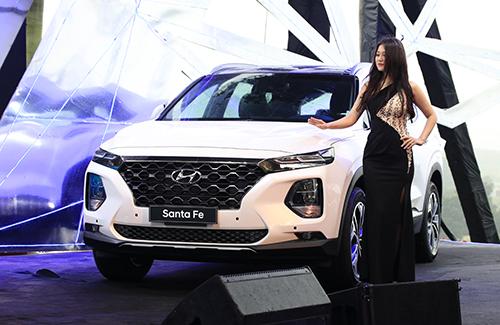 Hyundai Santa Fe 2019 giá tại Việt Nam