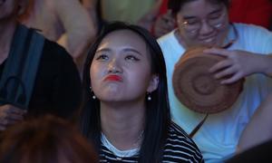 Cổ động viên tiếc nuối sau trận thua ngược của đội tuyển Việt Nam