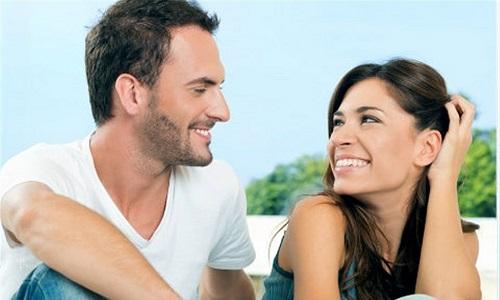 Điểm giống nhau tuyệt đối của mỗi cặp vợ chồng là gì?