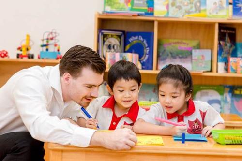 Học tại Maple Bear, trẻ được khuyến khích ý thức sáng tạo, chủ động và hội nhập để tiếp cận tri thức.