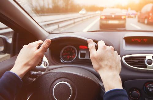 Chủ xe cần tìm hiểu kỹ những điều khoản đi kèm khi mua bảo hiểm, nhất là mức khấu trừ.