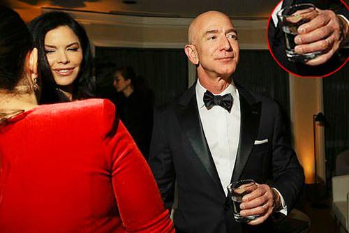 Sanchez được nhìn thấy bên cạnh Bezos là tại bữa tiệc Golden Globes của Amazon hôm 6/1.