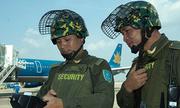 Nhân viên an ninh hàng không Nội Bài bị đánh gãy 4 răng cửa