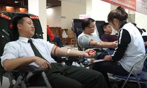 Hơn 1.000 chiến sĩ công an Hà Nội hiến máu cứu người
