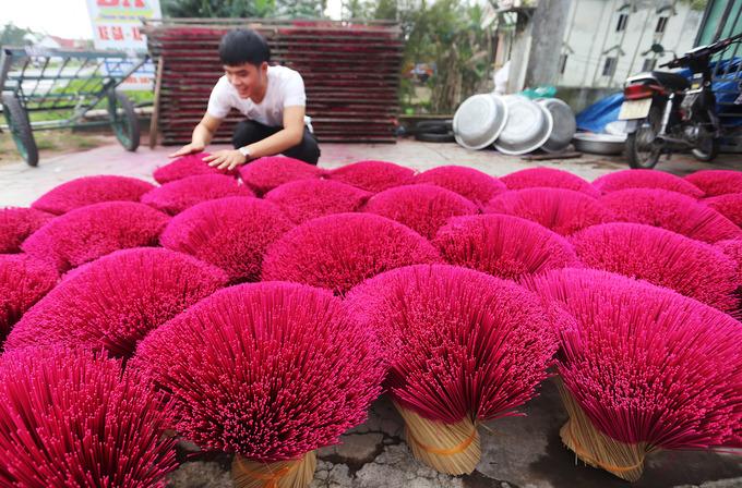 Làng nghề làm hương ở Quảng Nam tất bật vào vụ Tết