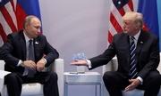 Trump bị tố cáo che giấu nội dung trao đổi với Putin