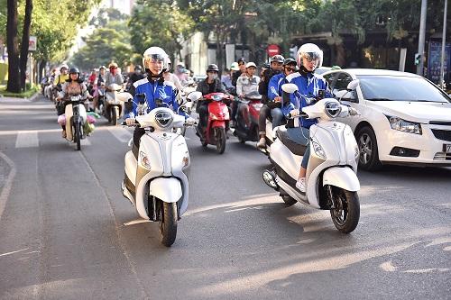 Những tay lái nữ trong hành trình Grande Hybrid Siêu thách thức chạy 3 ngày không nghỉ.