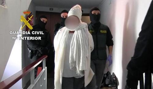 Nghi phạm bị cảnh sát Tây Ban Nha bắt giữ. Ảnh: Cảnh sát Tây Ban Nha.