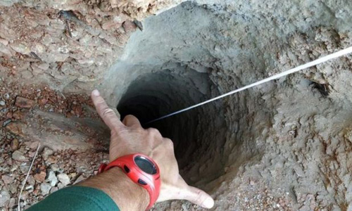 Chiếc giếng tại thành phố Malaga, Tây Ban Nha, nơi cậu bé 2 tuổi Julen rơi xuống. Ảnh: BBC.