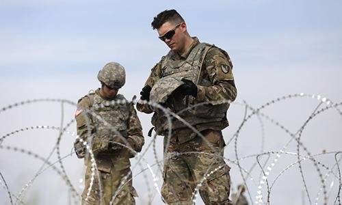 Binh sĩ Mỹ tại khu vực biên giới với Mexico. Ảnh: VOX.