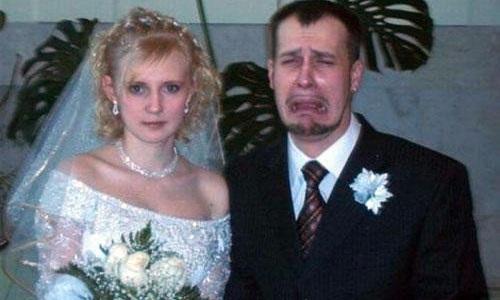 Tại sao chú rể thường mặc đồ đen trong đám cưới?